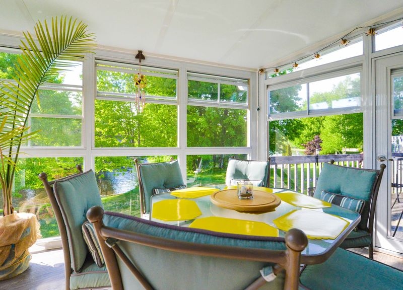 Sunroom Model 200 - Weathermaster 3-Season